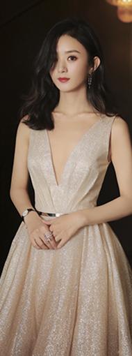 赵丽颖出席星光大赏 金色深V星光渐变裙 身姿优雅摇曳
