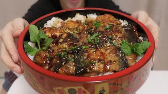 """如何自制""""日式鳗鱼饭""""?"""