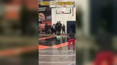 【原声录像】快船vs凯尔特人第2节 泰斯抢断反击暴扣一条龙