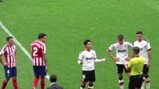 给亚洲球员丢脸!李刚仁西甲凶狠背后铲球引球迷愤怒,裁判出红牌全场欢呼!头像
