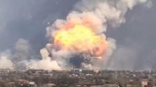 俄境内一声巨响,弹药库爆炸5名军人倒下,军方下令:必须彻查