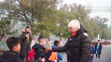日本S级!中国足球小将感谢金子教练!