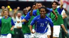 经典回顾韩日世界杯英格兰大战巴西,小罗奉献超远任意球吊射图标