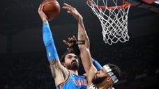 12日NBA十佳球 字母哥惨遭遮天大帽哈里斯反击隔扣占前席