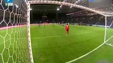 泽·路易斯胸部停球倒钩射门 古隆超远距离任意球破门