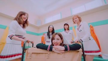 TWICE新单《BRAND NEW GIRL》MV