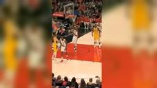 搞笑NBA:一种从天而降的脚法,哈克莱斯用脚盖帽你见过吗?图标
