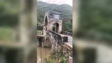 大山深处的断桥,特别的建筑