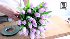 插花视频教程52yuehua.com_适合春天的花束