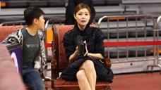 她是CBA广东队老板娘,身价超过10亿,40岁身形宛若少女