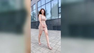 多肉身材更适合包臀裙,不显胖只会散发丰腴的魅力