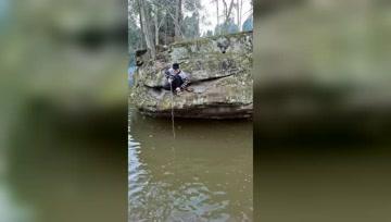 传统野钓:流水处钓鱼,尤其是石缝旁边,底下最容易藏大鱼