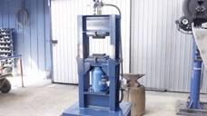 制造一台功能强悍的液压机,这手艺太赞了,压个椰子壳都不是问题