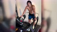 备战中超新赛季!胡尔克跑步机上做强力冲刺训练图标