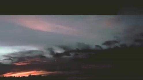 奇闻:UFO还是流星?的图片