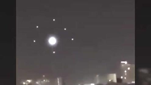 7个UFO排成箭头列队旋转合体,最后1秒瞬间飞上天的图片
