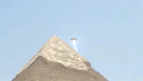 游客拍的金字塔上空的UFO画面,画面太真实,看完我是信了的图片 第18张