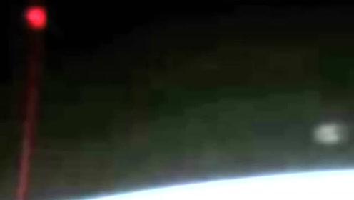 国际空间站最新的 UFO 影像的图片