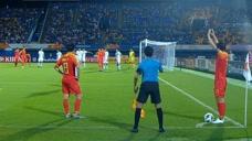 中国国奥角球战术上演无厘头失误 网友:怎么练的