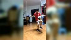 足球少年体育跳绳颠球,在家来五分钟的,保持球感吧!图标