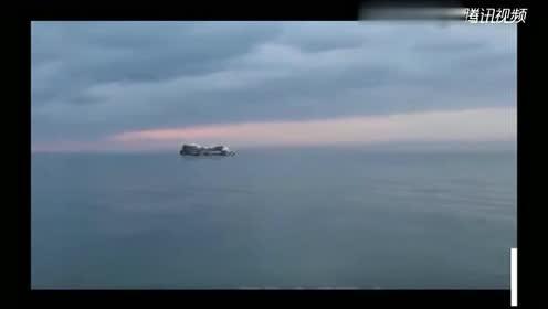 日本海峡疑似了一艘巨大的外星飞船UFO!的图片