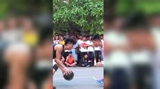 篮球大神到野球场虐菜,一波穿裆过人,秀翻全场!