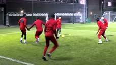 利物浦封闭训练也精彩录像