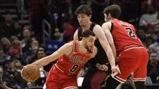 19日NBA十佳球 罗斯反手炸筐拉文快攻折叠背身暴扣