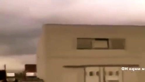看了这个UFO视频,我坚信外星人的存在!的图片
