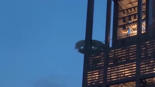 你们要的高清UFO画面来了,这真是看得一清二楚!的图片
