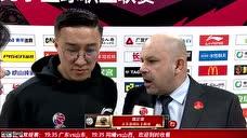 赛后采访雅尼斯:所有和深圳的比赛都很艰难 这场防守很好队员表现很好