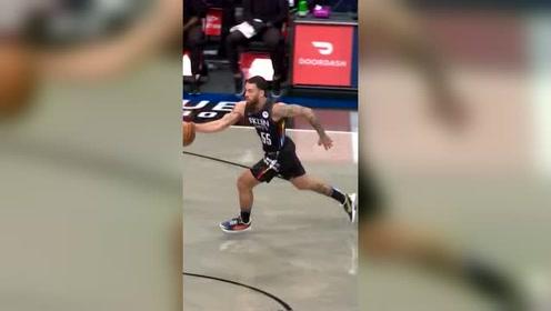竞争NBA赛季最佳进球 篮网花式配合裁判都看乐了
