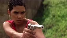 《007之择日而亡》那么多邦女郎就喜欢这一款,带刺的玫瑰花!