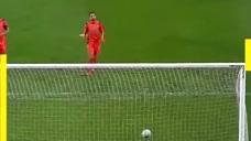 巴萨旧将十分角任意球破门 这是当年跟梅西学来的吗