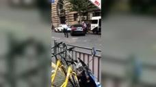 上海一网约车司机冲卡撞警车 被当场制服