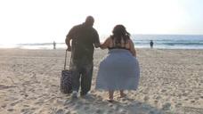 世界上最大的臀部!臀围2.5米连马桶都坐不下,丈夫非常宠爱她