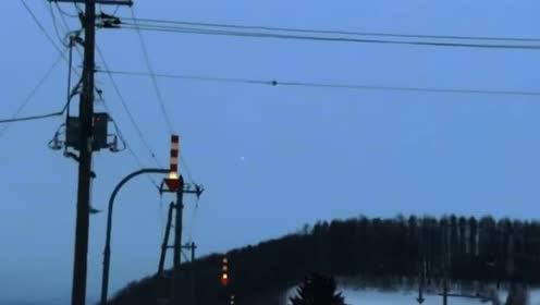 这应该是我见过最清晰的UFO画面了,这回看谁还不信!