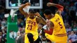 """盘点近些年NBA中""""低IQ""""瞬间 詹姆斯玩火JR小乔丹头脑短路"""