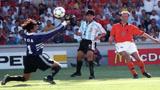 重温经典:冰王子绝杀,98世界杯巅峰对决,荷兰2-1阿根廷