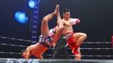 泰拳冠军最拿手扫腿吃瘪,被妖刀魏锐凌空掀翻,一腿扫瘸KO