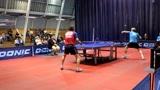 法国乒乓球联赛!老帅哥对阵小鲜肉,老将何智文的左手发球堪称一绝