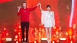 李宇春惠若琪亮相央视跨年盛典,满屏大长腿,画面太美了吧