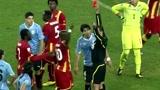 经典回顾,2010年南非世界杯,苏亚雷斯牺牲自己帮助乌拉圭晋级四强