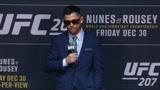 UFC十年高光时刻:克鲁兹坦然接受失败,像大丈夫一样去面对