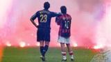 米兰德比历史上唯一没有踢完的比赛,这个画面却成了最经典的瞬间