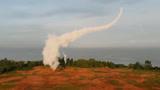 好酷炫!红旗17导弹首次密集亮相,大秀空中S形机动