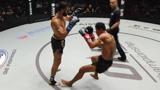 泰拳王铁拳对攻低踢要害,硬汉乔治一拳命中面门打的四仰八叉
