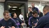 穆里尼奥信守承诺,热刺助攻小球童参加球队赛前午餐