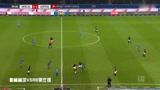柏林赫塔VSRB莱比锡:守门员长传给队友,被对方球员抢走