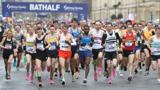 疫情期间英国马拉松照常进行 6200余名选手几乎无人戴口罩